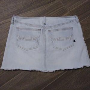 Abercrombie & Fitch Skirts - Abercrombie & Fitch Denim Mini Skirt Fringe  Sz 6